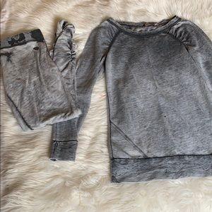 Juicy Set- Sweatshirt & Leggings